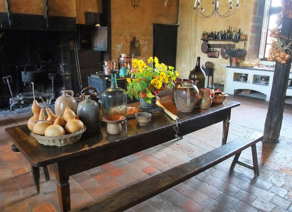 Ancienne cuisine en Bourgogne. Source : http://data.abuledu.org ...