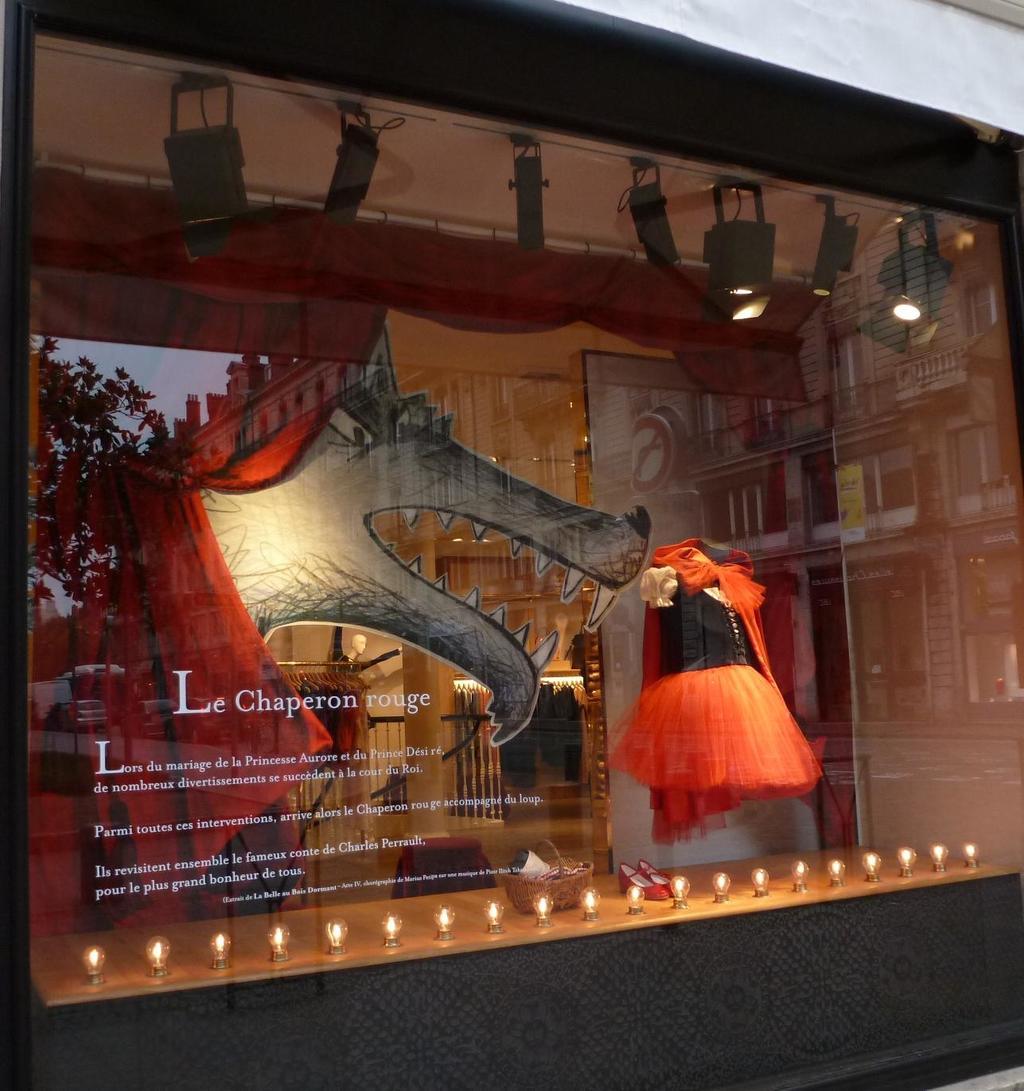 Le Petit Chaperon Rouge De Marius Petitpas 5828d5b7 Jpg # Ensemble Mural Tv Design Bois