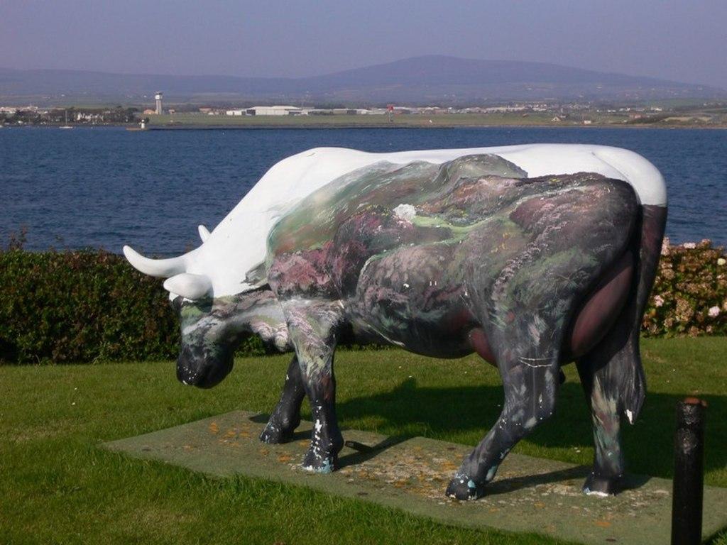 Statue De Vache A Langness 5209454c Jpg # Atlas Plastique