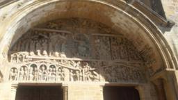 Abbatiale de Conques. Source : http://data.abuledu.org/URI/53f441fc-abatiale-d-conques