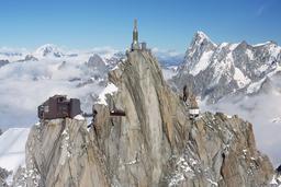Aiguille du Midi. Source : http://data.abuledu.org/URI/509545ef-aiguille-du-midi-12-jpg