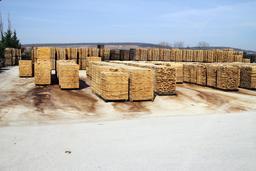 Aire de stockage de merrains en extérieur. Source : http://data.abuledu.org/URI/51dbc5d5-aire-de-stockage-de-merrains-en-exterieur