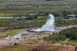Aire géothermique de Geysir à Strokkur en Islande. Source : http://data.abuledu.org/URI/54cbb787-aire-geothermique-de-geysir-a-strokkur-en-islande