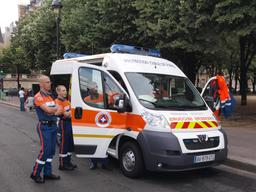 Ambulance de premiers secours de la Protection Civile. Source : http://data.abuledu.org/URI/533443ab-ambulance-de-premiers-secours-de-la-protection-civile