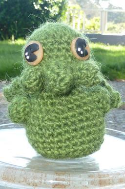 Amigurumi japonais au crochet de Cthulhu. Source : http://data.abuledu.org/URI/55067fae-amigurumi-japonais-au-crochet-de-cthulhu