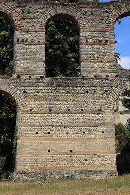 Amphithéâtre de Burdigala. Source : http://data.abuledu.org/URI/55af6d83-amphitheatre-de-burdigala