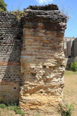 Amphithéâtre de Burdigala. Source : http://data.abuledu.org/URI/55af6fb0-amphitheatre-de-burdigala