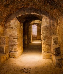Amphithéâtre en Tunisie. Source : http://data.abuledu.org/URI/595bf854-amphitheatre-en-tunisie
