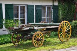 Ancien chariot. Source : http://data.abuledu.org/URI/50426248-ancien-chariot