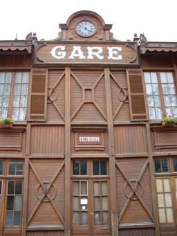 Ancienne gare ferroviaire de Cauterets. Source : http://data.abuledu.org/URI/529a7863-ancienne-gare-ferroviaire-de-cauterets