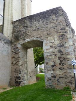 Angers, Abbaye Toussaint. Source : http://data.abuledu.org/URI/562fee1b-angers-abbaye-toussaint