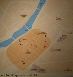 Angers, plan de la ville gallo-romaine. Source : http://data.abuledu.org/URI/562fe26f-angers-plan-de-la-ville-gallo-romaine