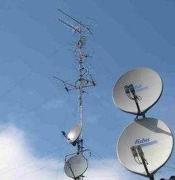 Antennes de radiodiffusion. Source : http://data.abuledu.org/URI/5022c570-antennes-de-radiodiffusion