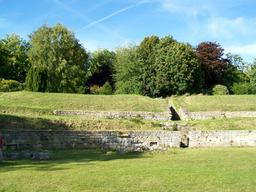 Arènes gallo-romaines à Senlis. Source : http://data.abuledu.org/URI/537a1285-arenes-gallo-romaines