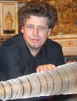 Armonica de verre. Source : http://data.abuledu.org/URI/530005dd-armonica-de-verre