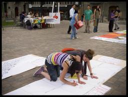 Artistes dans la rue. Source : http://data.abuledu.org/URI/51fa5b17-artistes-dans-la-rue