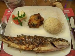 Assiette de bar grillé. Source : http://data.abuledu.org/URI/52014fad-assiette-de-bar-grille