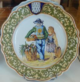 Assiette en faïence du maraîcher. Source : http://data.abuledu.org/URI/58588749-assiette-en-faience-du-maraicher