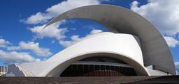 Auditorium de Ténérife. Source : http://data.abuledu.org/URI/52d17405-auditorium-de-tenerife