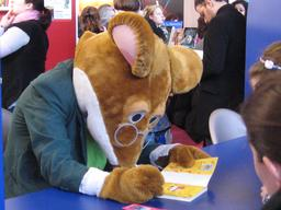 Autographe de la souris Geronimo Stilton. Source : http://data.abuledu.org/URI/52ed5703-autographe-de-la-souris-geronimo-stilton