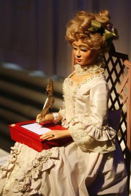 Automate de l'écritoire de la belle dame. Source : http://data.abuledu.org/URI/50ec688e-automate-de-l-ecritoire-de-la-belle-dame