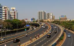 Autoroute de Mumbai. Source : http://data.abuledu.org/URI/58cef656-autoroute-de-mumbai