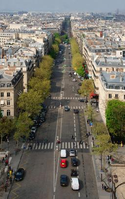 Avenue de Wagram à Paris. Source : http://data.abuledu.org/URI/53e39695-avenue-de-wagram-a-paris