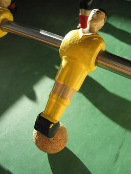 Baby-foot. Source : http://data.abuledu.org/URI/53cc2876-baby-foot