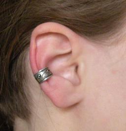 Bague d'oreille. Source : http://data.abuledu.org/URI/531358eb-bague-d-oreille