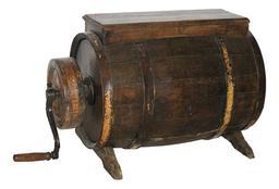 Baratte ancienne en bois normande. Source : http://data.abuledu.org/URI/51ddcf78-baratte-ancienne-en-bois-normande