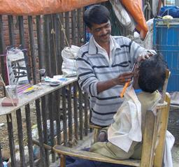 Barbier. Source : http://data.abuledu.org/URI/51cda61d-barbier