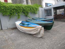 Barques traditionnelles sur l'île de Madère. Source : http://data.abuledu.org/URI/55089cb4-barques-traditionnelles-sur-l-ile-de-madere