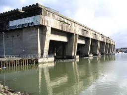 Base sous-marine de Bordeaux. Source : http://data.abuledu.org/URI/55475863-base-sous-marine-de-bordeaux