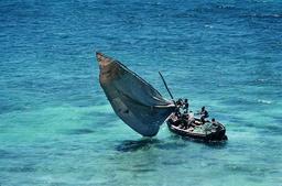 Bateau à voile du Mozambique. Source : http://data.abuledu.org/URI/52d2baaf-bateau-a-voile-du-mozambique