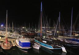 Bateaux traditionnels au port d'Arcachon. Source : http://data.abuledu.org/URI/55bb7fee-bateaux-traditionnels-au-port-d-arcachon