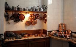 Batterie de cuisine. Source : http://data.abuledu.org/URI/5100f668-batterie-de-cuisine