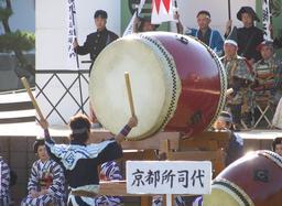 Batteur de tambour. Source : http://data.abuledu.org/URI/53165393-batteur-de-tambour-