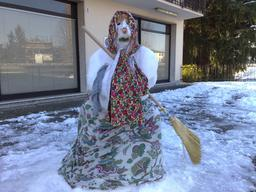 Befana de neige en Italie. Source : http://data.abuledu.org/URI/52bd4c69-befana-de-neige-en-italie