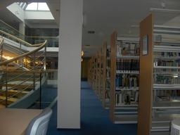 Bibliotèque. Source : http://data.abuledu.org/URI/502e8c9b-biblioteque