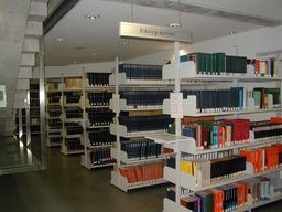Bibliothèque. Source : http://data.abuledu.org/URI/502e896c-bibliotheque