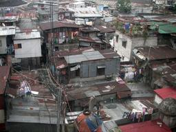Bidonville à Manille. Source : http://data.abuledu.org/URI/51db5b5b-bidonville-a-manille