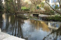 Bief des moulins de Pont-Aven. Source : http://data.abuledu.org/URI/51bd7d4d-bief-des-moulins-de-pont-aven