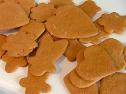 Biscuits de pain d'épice de Noël. Source : http://data.abuledu.org/URI/522deee6-biscuits-de-pain-d-epice-de-noel