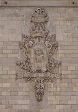 Blason de Paris avec devise en latin. Source : http://data.abuledu.org/URI/53e2383d-blason-de-paris-avec-devise-en-latin