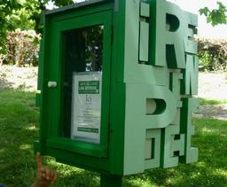 Boite à lire au Parc Moulineau à Gradignan. Source : http://data.abuledu.org/URI/5826482d-boite-a-lire-au-parc-moulineau-a-gradignan