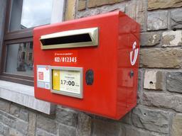 Boite aux lettres. Source : http://data.abuledu.org/URI/571699df-boite-aux-lettres