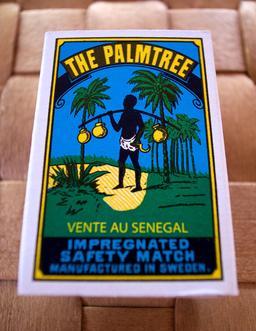 Boîte d'allumettes sénégalaises. Source : http://data.abuledu.org/URI/5311e799-boite-d-allumettes-senegalaises