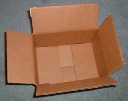 Boîte en carton. Source : http://data.abuledu.org/URI/503a0b8f-boite-en-carton