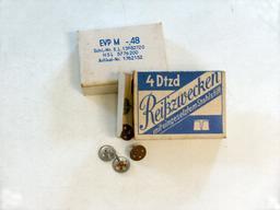 Boites de punaises. Source : http://data.abuledu.org/URI/53ab6247-boites-de-punaises