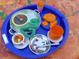Bon appétit en pâte à modeler. Source : http://data.abuledu.org/URI/5822e60f-bon-appetit-en-pate-a-modeler